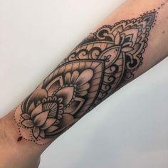 - Tattoo / tattoos / woman tattoo / girl tattoo / mandala tattoo / girly tattoos / design / draws / d - Girly Tattoos, Trendy Tattoos, Cute Tattoos, New Tattoos, Body Art Tattoos, Hand Tattoos, Tatoos, Maori Tattoos, Gorgeous Tattoos