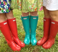 Boots in the infield. Wellies Rain Boots, Hunter Rain Boots, Chelsy Davy, Rainy Day Fashion, Wellington Boot, Vintage Boots, Rain Wear, Shoe Closet, Manolo Blahnik