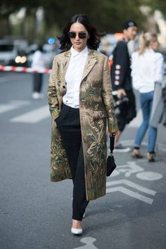Nicole Warne seen in the streets of Paris during the Paris Fashion Week on September 26 2017 in Paris France