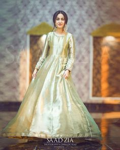 Pak Asian Wedding Dress Pakistani, Beautiful Pakistani Dresses, Pakistani Fashion Party Wear, Pakistani Formal Dresses, Pakistani Wedding Dresses, Pakistani Dress Design, Beautiful Dresses, Nice Dresses, Muslim Fashion