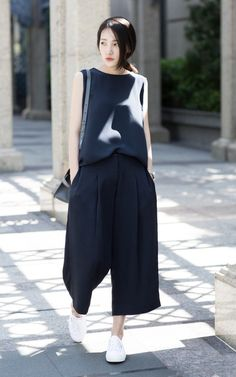 Not sure about the pants but I like the looseness of the whole look
