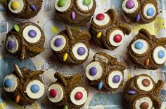 Owl Cupcakes with chocolate cream and Oreo cookies by deli from the valley /// Eulen-Cupcakes mit Schoko-Sahne-Creme und Oreo-Keksen