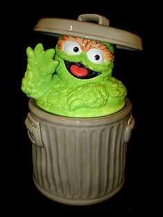 Oscar The Grouch Ceramic Cookie Jar This jar will need wiped down, but since I do not specialize in cookie jars I don't wipe down for fear of ruining paint or finish. Ceramic Cookie Jar, Cookie Jars, Oscar The Grouch, Jaba, Workshop, Ceramics, Cookies, Street, Gifts
