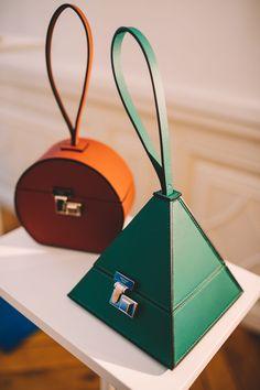 Bags 645070346606282387 - PFW Day 3 Moynat Presentation // NotJessFashion Leather Women's Bag Purses And Handbags, Leather Handbags, Leather Belt Bag, Bag Sewing, Sacs Design, Hip Bag, Luxury Bags, Beautiful Bags, Fashion Bags