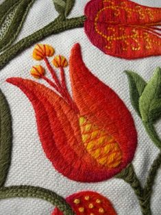 Jacobean Crewelwork for the Royal School of Needlework. Kate Sinton - Tutor