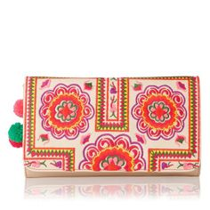 { embroidered clutch }