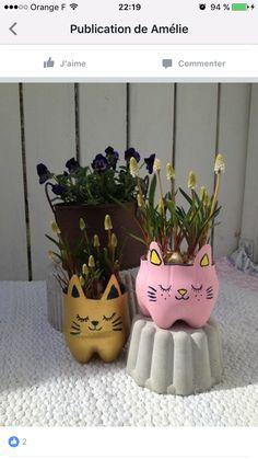 Kitten made of pet bottles Plastic Bottle Planter, Plastic Bottle Crafts, Bottle Cap Crafts, Diy Bottle, Art From Recycled Materials, Recycled Crafts, Creative Crafts, Diy And Crafts, Crafts For Kids