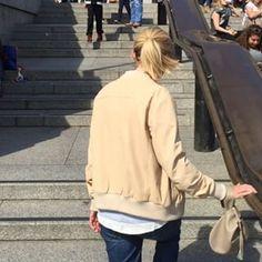Out and about on #sundayfunday xx, bija #bija #bijabags #museum #london #nationalportraitgallery #nationalgallery #fall #taupe #handbags #wristie #fallfashion