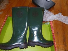 Looking for some cool #boots #wellies #ToryBurch makes a perfect pair! #sale #gitasan