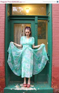 On Sale Now Dress 1970s Vintage 70s Floral by BombshellShocked