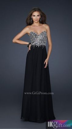 I don't usually like black prom dresses...but this one! Cute!