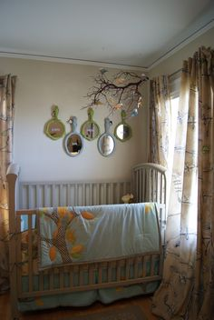 Love this quilt and the mirrors - nest full of eggs
