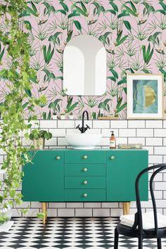 A Palm Springs Inspired Bathroom - Get The Look - Dear Designer Bathroom Interior Design, Interior Exterior, Bathroom Designs, Bathroom Ideas, Bathroom Trends, Modern Bathroom, Small Bathroom, Bathroom Green, Bathroom Wallpaper Modern