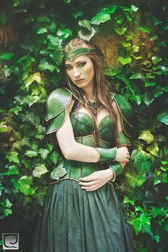 Women armor elf green with corset only one by Muarta on Etsy OMG, it's green and it's leather, be still my elven heart! Warrior Girl, Fantasy Warrior, Cosplay Outfits, Cosplay Girls, Crea Cuir, Costume Steampunk, Medieval, Female Armor, Fairytale Fashion