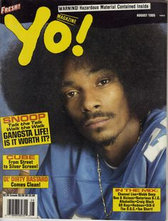 Snoop with one of the best afro of the '90s.
