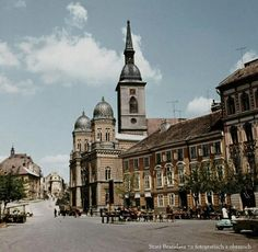 Bratislava Slovakia, Old City, Old Photos, Most Beautiful Pictures, Barcelona Cathedral, Taj Mahal, Europe, Mansions, Landscape