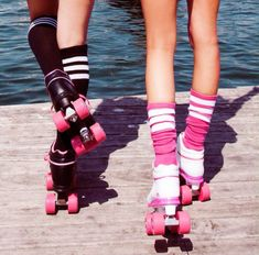 Shoes: roller skates, 90s style, skater, groovy, black and pink, wheels, laces, 80s style, venice beach, fashion, california, cool, grunge, summer sports - Wheretoget