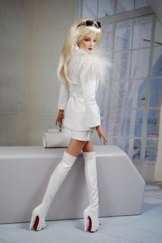 Prego: 16'' Antoinette in white, by HABILISDOLLS