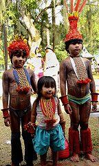 Crianças indígenas etnia Karajá.Os Karajás são originários da Ilha do Bananal, no Parque Indígena do Araguaia, em Tocantis/Brasil.