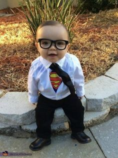 Clark Kent Baby Costume - Halloween Costume Contest via So Cute Baby, Cute Kids, Kids Diy, Halloween Costume Contest, Cute Halloween Costumes, Halloween Kids, Costume Ideas, Halloween Party, Clever Costumes