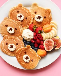 """Nothing like bear pancakes to put a smile on your face. Happy Sunday, all. Cute Food, Good Food, Yummy Food, Tasty, Toddler Meals, Kids Meals, Breakfast For Kids, Breakfast Recipes, Cute Breakfast Ideas"
