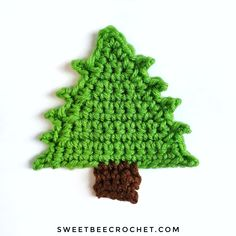 Crochet Christmas Trees, Free Pattern, Applique, Bee, Crochet Patterns, Xmas, Character, Honey Bees, Crochet Pattern