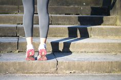 running stretches, dynamic stretches, stretch before run, running warm-up Stretches Before Running, Stretches For Runners, Calf Stretches, Best Stretches, Cardio, Dynamic Warm Up, Marathon Tips, Dynamic Stretching, Muscle Strain