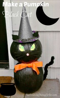 diy halloween decorations for inside Make A Black Cat Out Of Pumpkins - An easy and adorable kitty cat pumpking display for your front porch! Halloween Projects, Diy Halloween Decorations, Holidays Halloween, Scary Halloween, Halloween Pumpkins, Halloween 2018, Halloween Stuff, Halloween Makeup, Happy Halloween