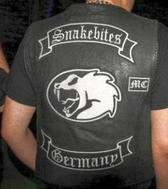 "I love the simple design and name ""snakebites"" club with Viper MC 2014 simple to say in many ways of impressionable situation of public Biker Clubs, Motorcycle Clubs, Biker Gangs, Hells Angels, Cut And Color, Simple Designs, Detroit, Badge, Motorcycles"