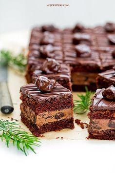 Drunk plum cake with Nutella cream, plum jam Sweet Recipes, Cake Recipes, Dessert Recipes, Plum Cake, Nutella Recipes, Polish Recipes, Pumpkin Spice Latte, Christmas Desserts, Cake Cookies