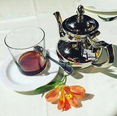Esta imagen que nos regala La Puerta del Perdón nos tiene total y completamente enamorados. ¡Es deliciosa! La imagen y la infusión de #lateterazul, las dos :) Ah, por cierto que no os lo hemos dicho... buenos y soleados días!! #goodmorning #morning #fall #falltime #fallweather #sunrise #morn #awake #wakeup #wake #wakingup #breakfast #instagood #instamorning #work #resfriado #menta #lateterazul #teatime #tealovers