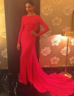 Deepika Padukone at the Filmfare Awards 2016