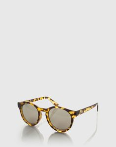 """Sunglasses: Le Specs """"Hey Macarena"""". Click on the picture to get the product <3"""