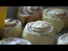 CupCake Maniacs - Rollos Especiados de Canela - Alma Obregón - - YouTube