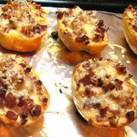 Kenyérlángos lustáknak – melegszendvics 2. Hungarian Recipes, Hungarian Food, Baked Potato, Baked Goods, French Toast, Sandwiches, Muffin, Food And Drink, Pizza