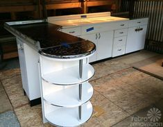 Boxed up for 67 years and now set free: Brand new 1948 Youngstown Kitchen cabinets + 1948 GE Airliner stove — 80 photos