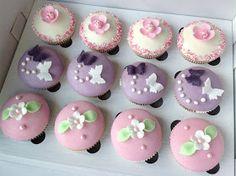 VÍKENDOVÉ PEČENÍ: Narozeninové cupcakes Birthday Cupcakes, Mini Cupcakes, Mini Cheesecakes, Pavlova, Baked Goods, Muffins, Blog, Party, Desserts