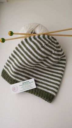Hand Knitted Wool /& Cashmere Beaded Baby Hat 6-12 month