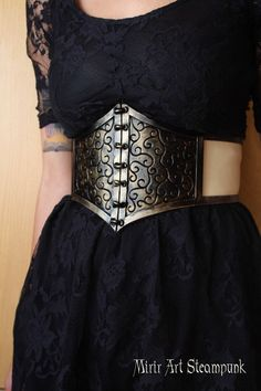 MADE TO ORDER - steampunk waist belt / underbust corset. adjustable thanks to the corset closure