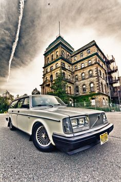 Great shot of this Volvo 245.