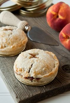 Mason Jar Lid Pies 2 Mason Jar Lid Pies: Spiced Peach