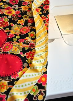 How to bind a quilt with a scalloped edge-tutorial