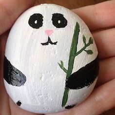 Easy Paint Rock For Try at Home (Stone Art & Rock Painting Ideas) Rock Painting Ideas Easy, Rock Painting Designs, Painting For Kids, Diy Painting, Pebble Painting, Pebble Art, Stone Painting, Stone Crafts, Rock Crafts