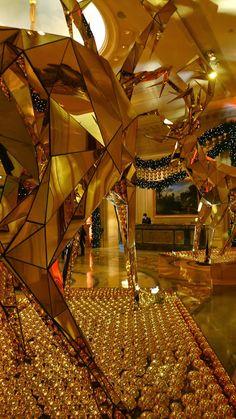 Las Vegas Fashion Show Mall Christmas Decorations by Swissrock, via Flickr | Las vegas fashion ...