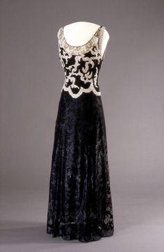 Evening Dress Worth, 1938 Nasjonalmuseet for Kunst, Arketektur, og Design