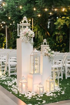 deko blumen Wedding venues are inseparable from the three types of flowers, veils and balloons, the purpose is to add more color to the venue! Flowers are Wedding Ceremony Decorations, Flower Decorations, Wedding Centerpieces, Wedding Table, Party Wedding, Wedding Bride, Wedding Ideas, Outdoor Wedding Chairs, Wedding Lighting Indoor
