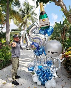 Todo parece imposible hasta que se hace 🎈 . . 3 y 4 de noviembre #ILUSSIONCLASS  Reserva en el Link de la biografía ⬆️⬆️⬆️ . . . DecoracionesGlobos 🎈Somos Alegría🎈 #balloondecor #balloonparty #balloonart  #balloons  #globos #arreglodeglobos #balloondecorations Balloons And More, Number Balloons, Foil Balloons, Ballon Decorations, Birthday Decorations, 60th Birthday Party, Birthday Balloons, Cute Birthday Pictures, Balloon Bouquet Delivery
