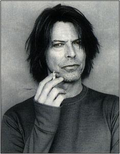David Bowie. [fangirl mode]GRMLDFKLDSDLSDLJKSQUEEEE!!![/fangirl mode] Sorry.