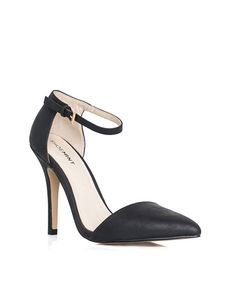 Lorri updated classic pointy pump. Also in nude