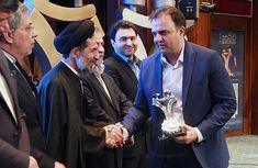 همایش حمایت از حقوق مصرف کنندگان اعطاء تندیس رعایت حقوق مصرف کنندگان به مدیرعامل سیمند کابل